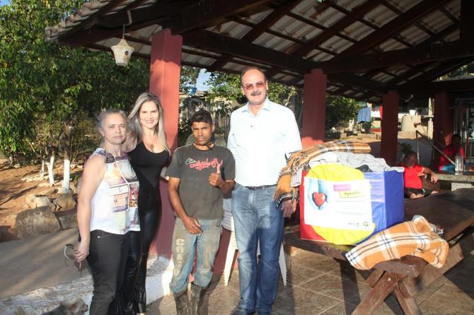 Campanha da Uaitec Itaúna arrecada agasalhos para o Creva