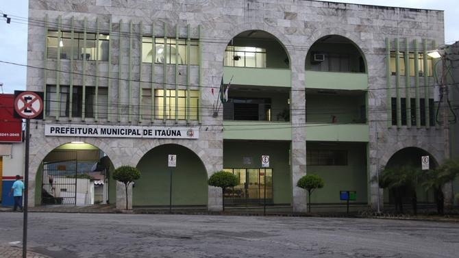 Ex-prefeito e ex-chefe de gabinete de Itaúna são condenados a ressarcir cofres públicos por viagem f