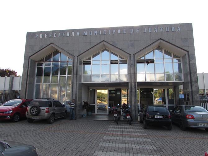Justiça Eleitoral de Minas afasta prefeita e vice de Juatuba por abuso do poder público