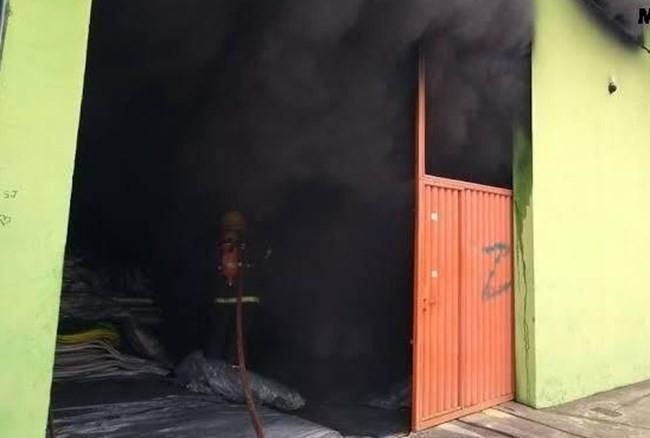 Dono de fábrica de sapatos de Nova Serrana é indiciado por mortes em incêndio