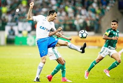 Cruzeiro faz três no primeiro tempo, fica com vitória nas mãos, mas cede empate ao Palmeiras