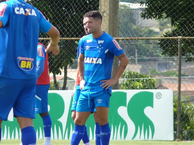 Cruzeiro recebe a La U com a obrigação de vencer para seguir vivo na Libertadores