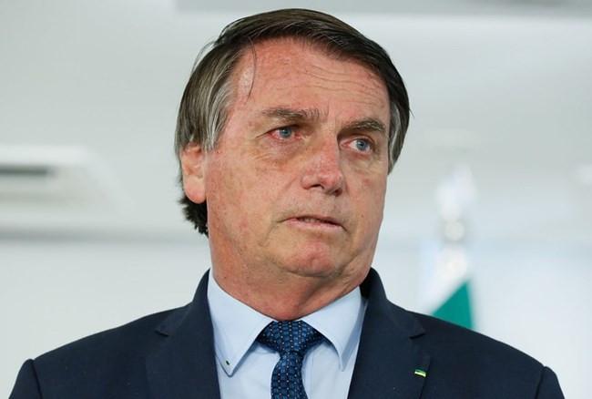 Covid-19: Bolsonaro diz que será preciso assinar termo de responsabilidade para tomar vacina
