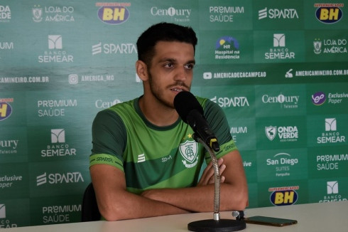 Lucas Kal se prepara para enfrentar artilheiro do Mineiro em jogo que vale a liderança