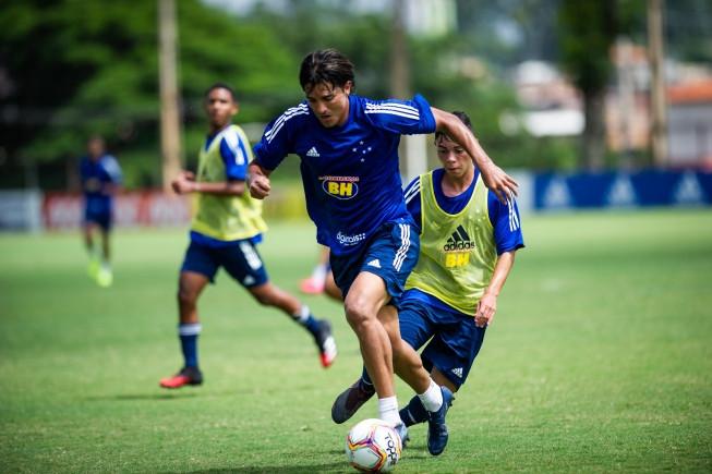 Na reestreia de Moreno, Cruzeiro defende invencibilidade de quase 20 anos contra o Uberlândia