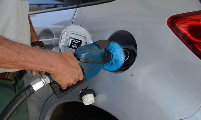 Petrobras anuncia redução no preço da gasolina e do diesel em 2% a partir deste sábado
