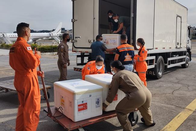 Covid-19: governo de Minas distribui vacinas da Pfizer para mais 73 municípios