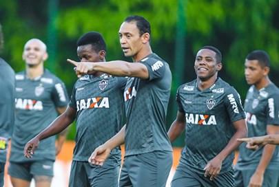 Ricardo Oliveira diz que jogo com o Corinthians 'vale seis pontos' para o Atlético