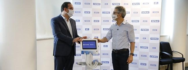 Zema anuncia abertura de 100 leitos de UTIs em Minas após receber respiradores da Fiemg