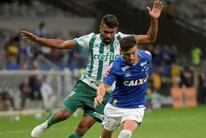 Após duas derrotas, Cruzeiro busca reabilitação contra o embalado Palmeiras, em São Paulo