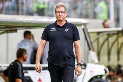 Oswaldo de Oliveira elogia disciplina tática do Atlético em empate sem gols com o Botafogo