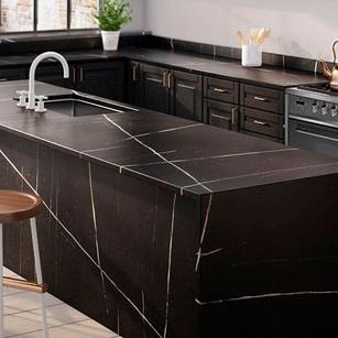 Silestone-Eternal-Noir-Kitchen-2.jpg