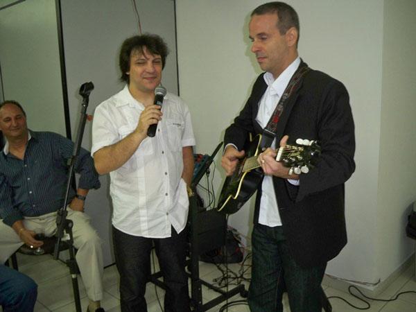 Com Dudu Braga