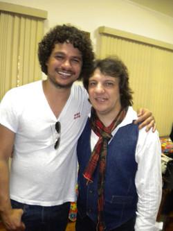 Com Léo Maia