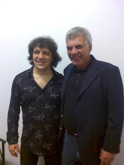 Com o cantor Demétrius