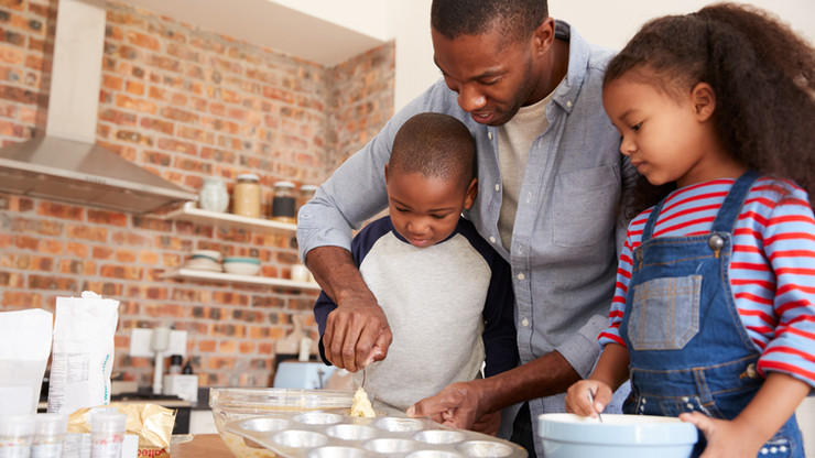 bigstock-Father-And-Children-Baking-Cak-