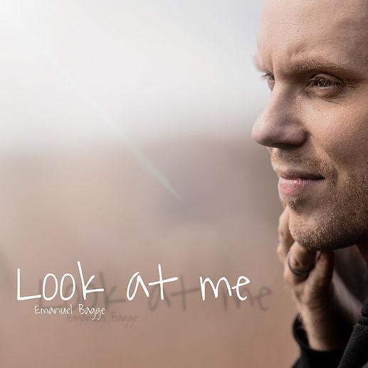 Look at me omslag.JPEG