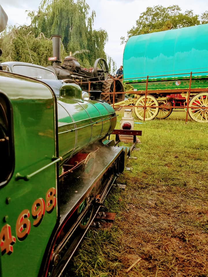 A brilliant picture that sums up everything that makes Strumpshaw Steam Rally so good