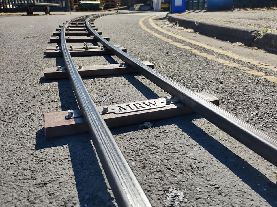 7 1_4_ gauge track