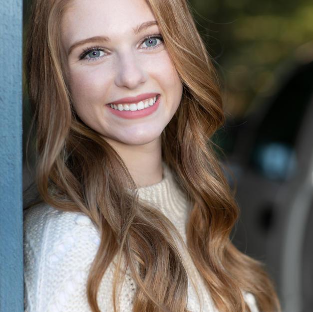 Paige-Henderson-Studio-Senior-Portrait-1