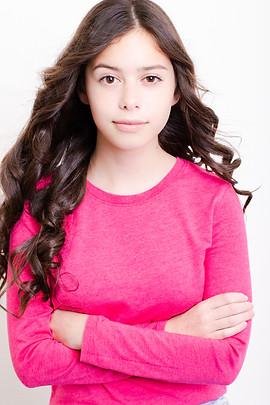 Paige-Henderson-Studio-Natalia-portrait-