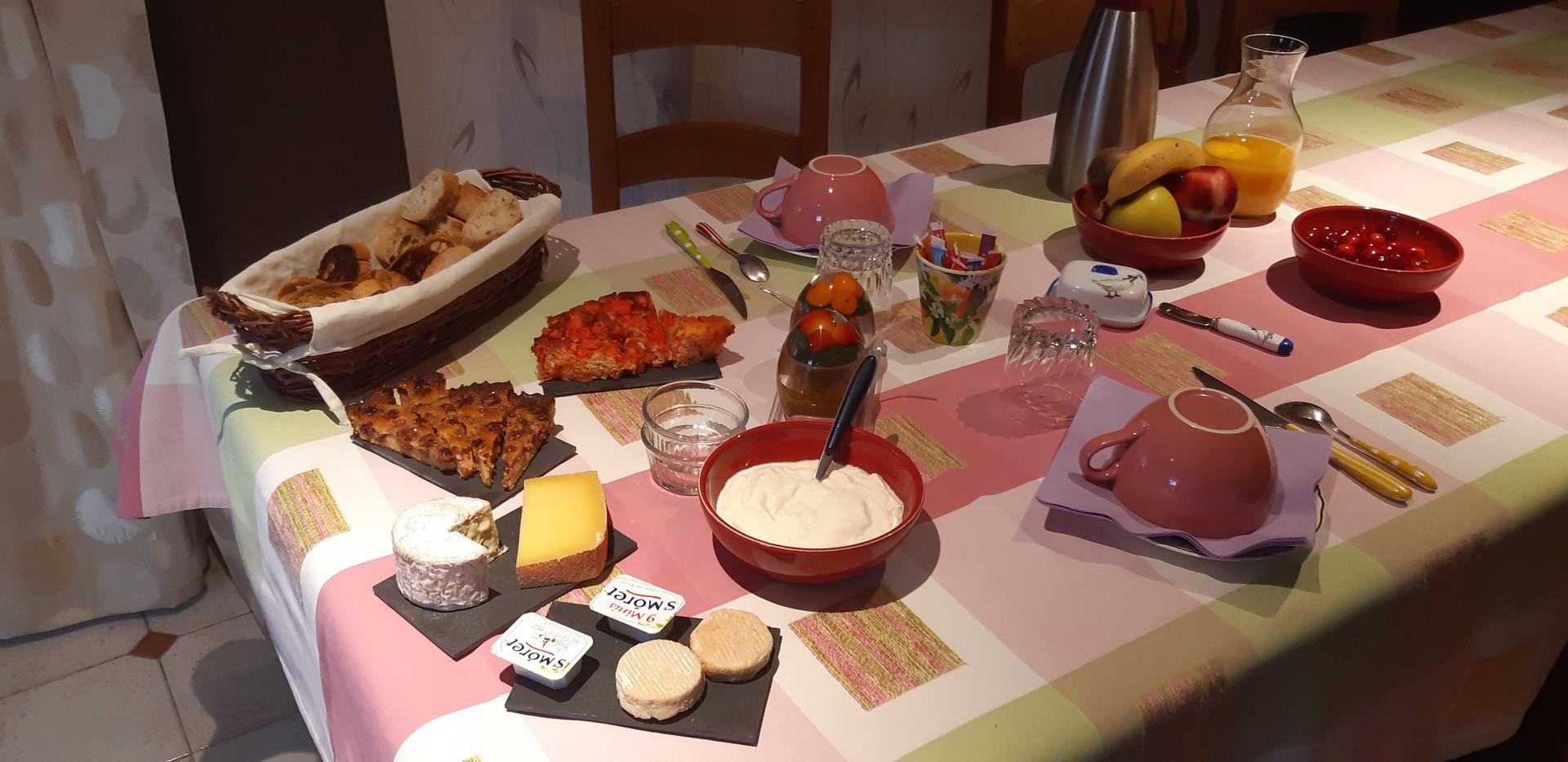 Petit déjeuner à la salle à manger
