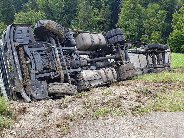 Verkehrsregelung und Bergung LKW