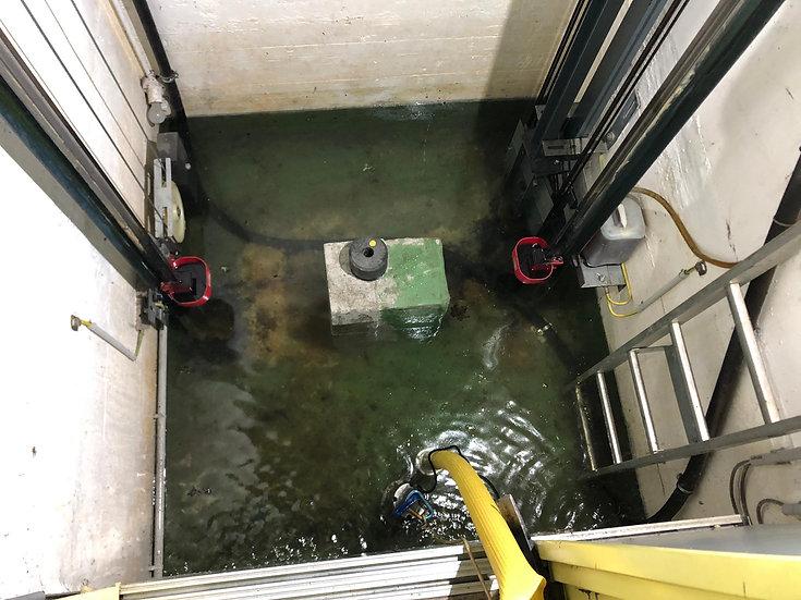 Wasser im Gebäude/Liftschacht