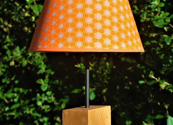 Lampe pied bloc bois naturel chapeau orange argent
