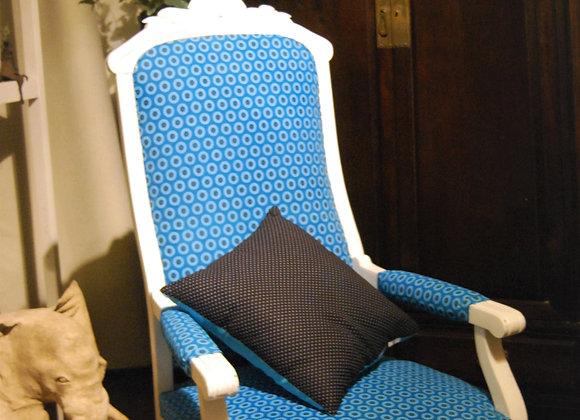 Fauteuil bois blanc peint shweshwe bleu turquoise
