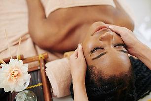 spa-massage-face-treatment-FD8HKUN.jpg