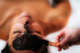 chocolate-face-mask-massage-8UWCXGS-copy