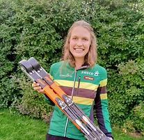 Anna Ulvensøen showing here new ff classic rollerski