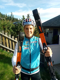 Kari Øyre Slind Holding to pair of FF Classic she is our new ambassador