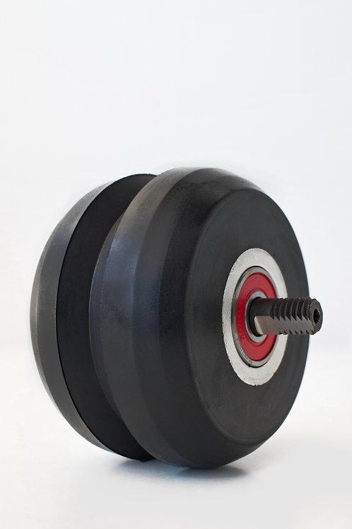 bakhjul til rulleski klassisk med v spor i hjulet og antirotasjons bolt stikker ut på hver side