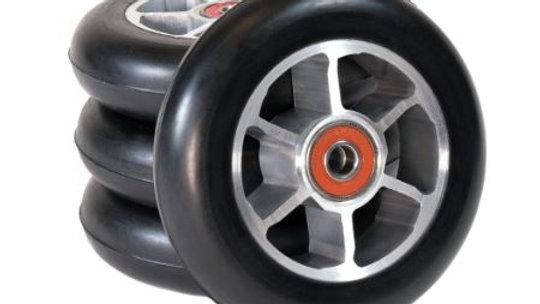 rulleski hjul skate 3 hjul som er stablet og en på høykant