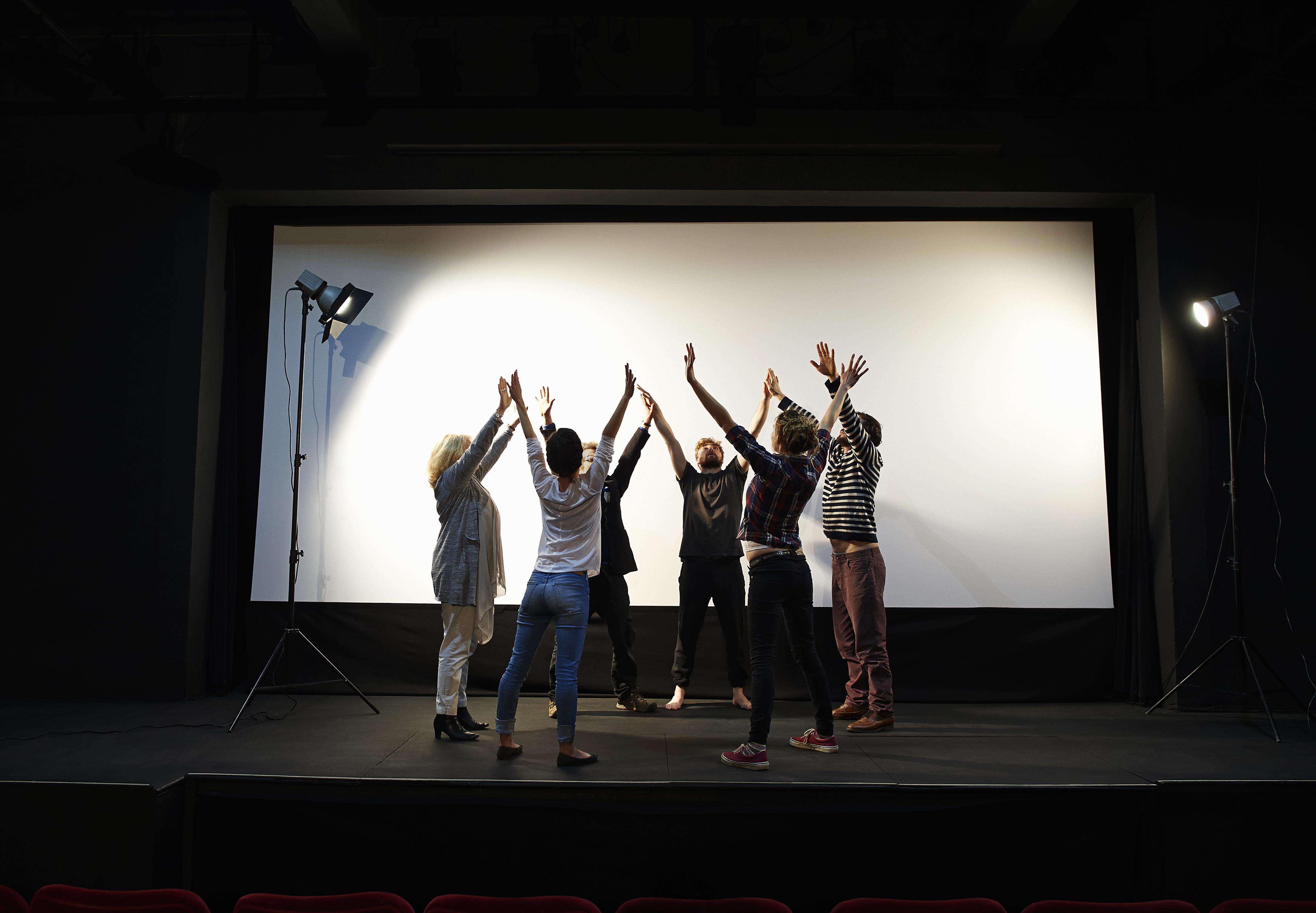 Actores en el escenario