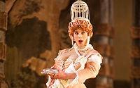 Richard Hamrin as Delfa in Il Giasone