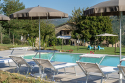 piscina-Agriturismo-Montelovesco