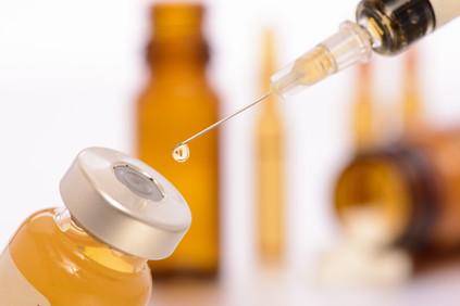 Impfung und Spritze