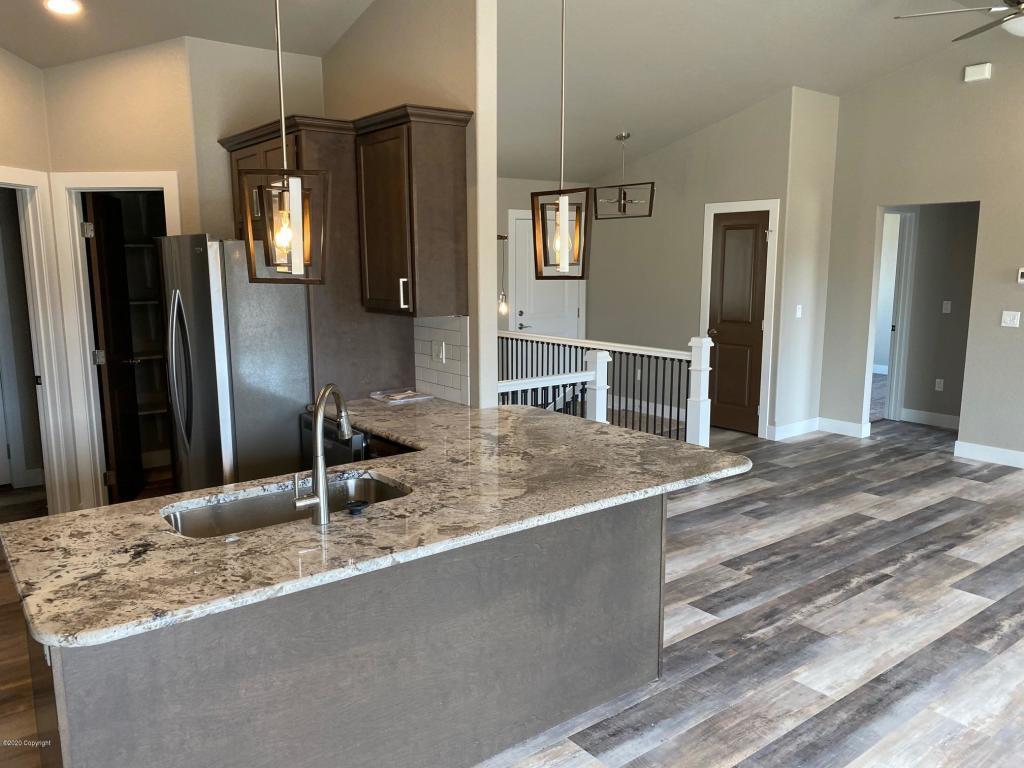 40 PS kitchen 2.jpg