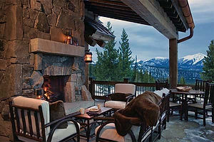 cabin-outdoor-patio-fireplace-design-ins