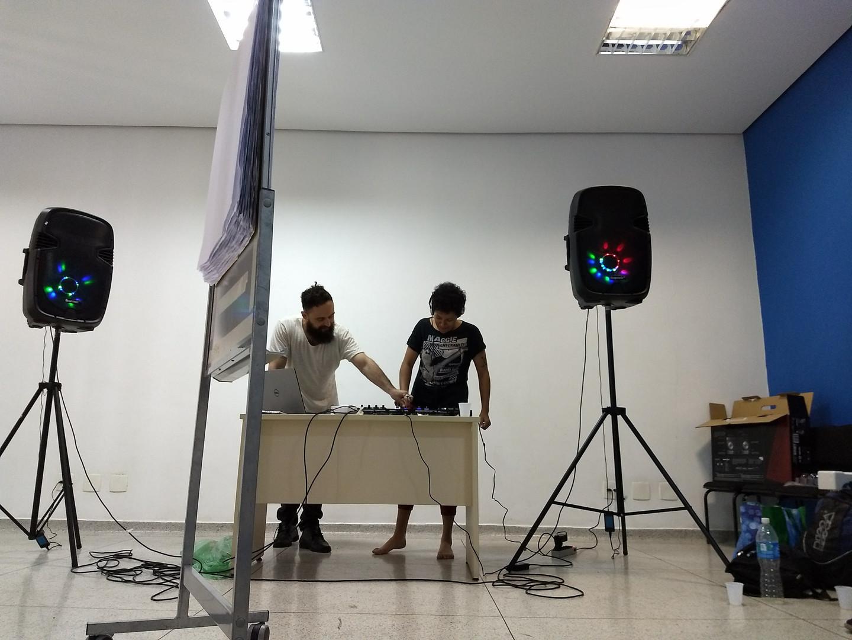 Oficina de Mixagem de Som e DJ
