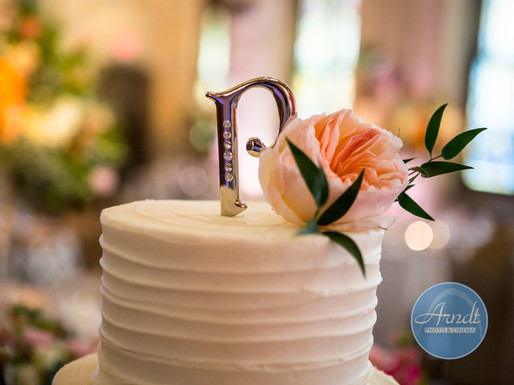 Simple but Classy Wedding Cake