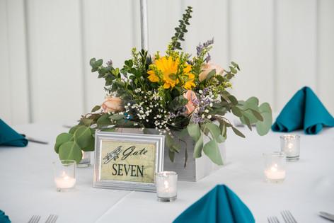 Large table arrangements