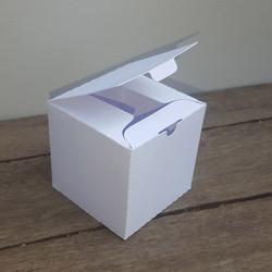BOX853
