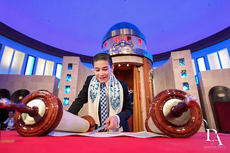 Bar-Mitzvah-Pictures-Photography-Estefan