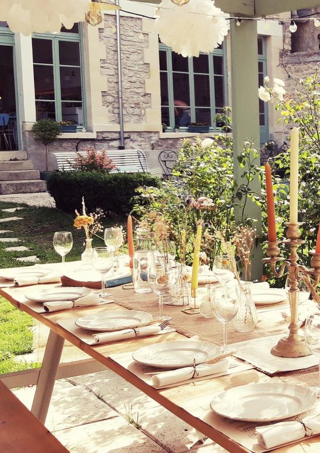 Table de fête au jardin