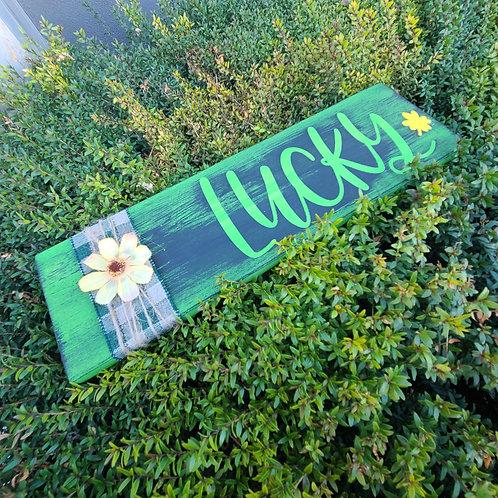 DIY: Lucky St. Patrick's Sign