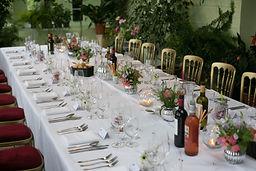 17-wadhurst-castle-wedding-table-laura-g